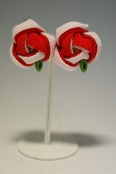 Handmade Silk Pierced Earrings [Camellia] – Ginza Wakano